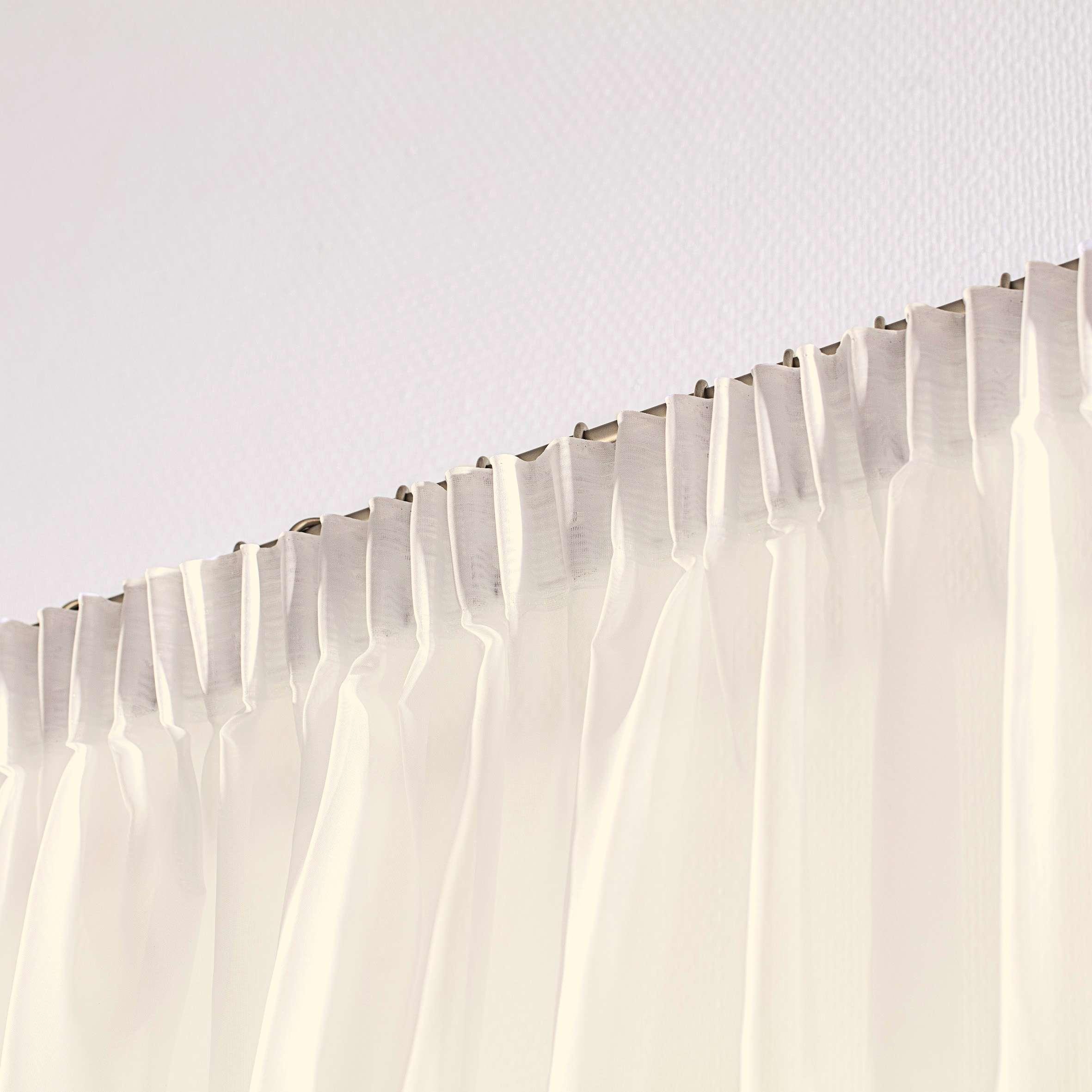 Záclona voálová jednoduchá s řasící páskou na míru v kolekci Voile - Voál, látka: 900-01