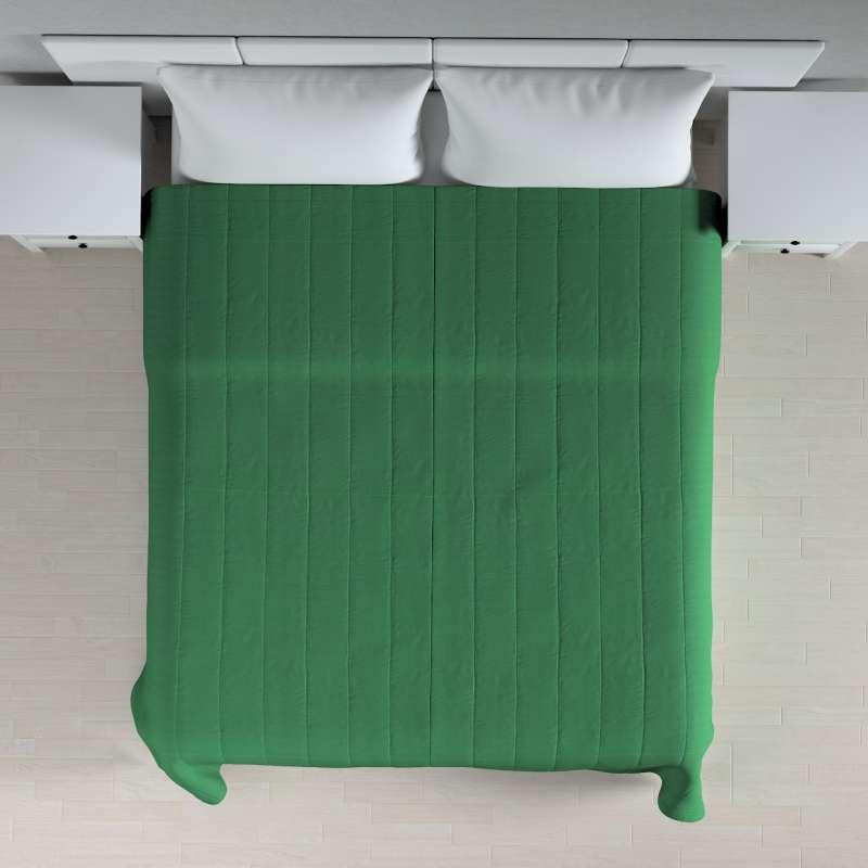 Narzuta pikowana w pasy w kolekcji Loneta, tkanina: 133-18