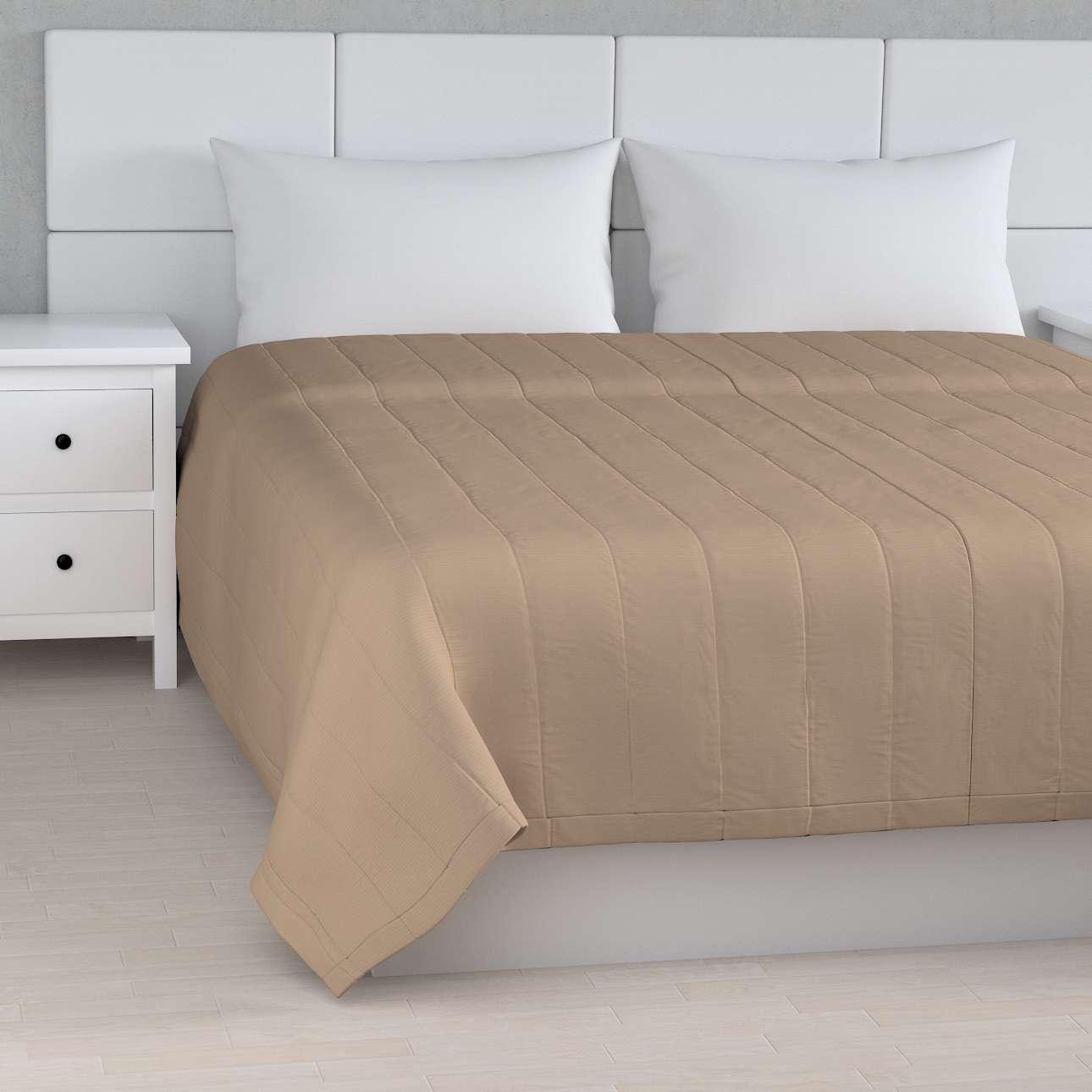 Sengeteppe quiltet<br/>10cm striper fra kolleksjonen Cotton Panama, Stoffets bredde: 702-28