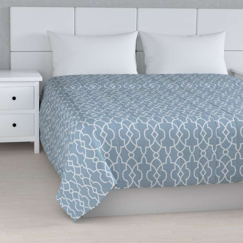 Stripe quilted throw in collection Gardenia, fabric: 142-22