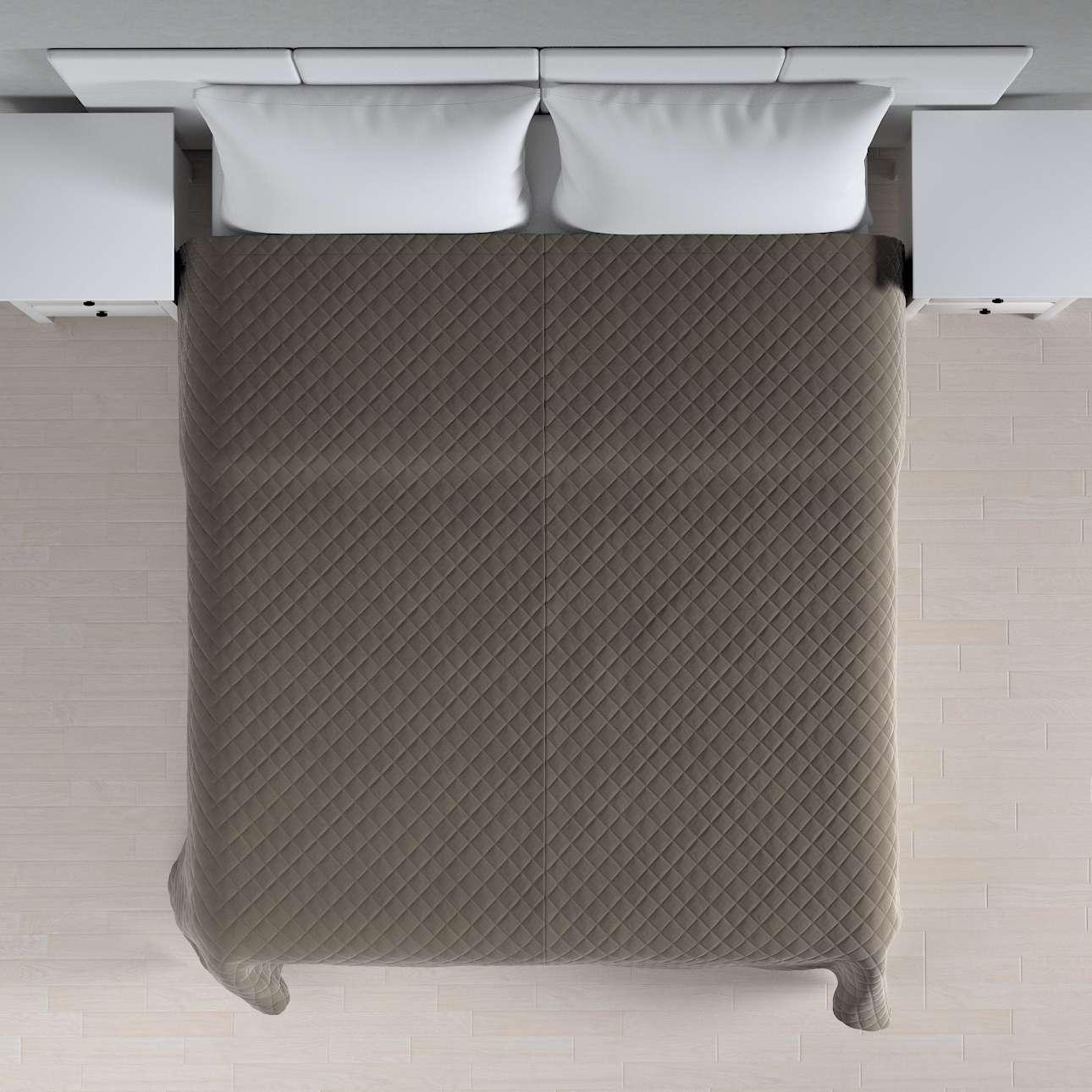 Sengeteppe quiltet<br/>i rombe i velour fra kolleksjonen Velvet, Stoffets bredde: 704-19