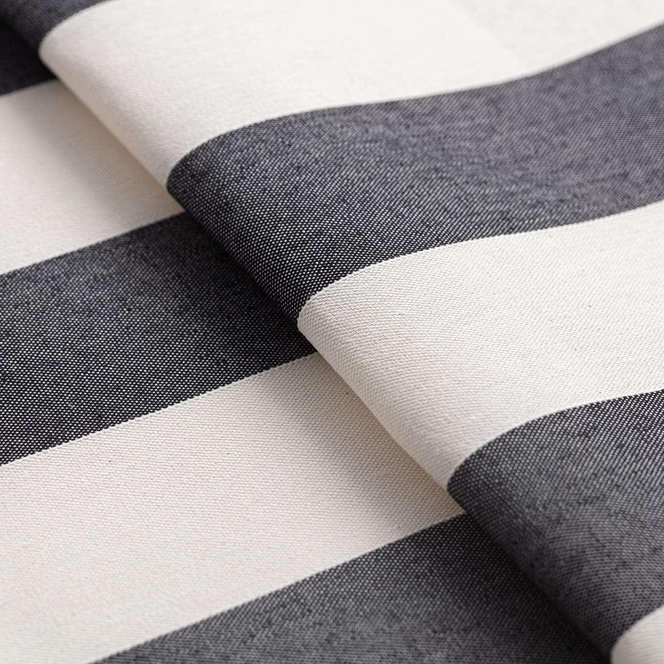 Záves s navliekacou riasiacou páskou V kolekcii Quadro, tkanina: 142-72